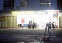 Beberapa Minimarket Di Kota Metro Sudah Beroperasi, Walau Belum Kantongi Izin Resmi.