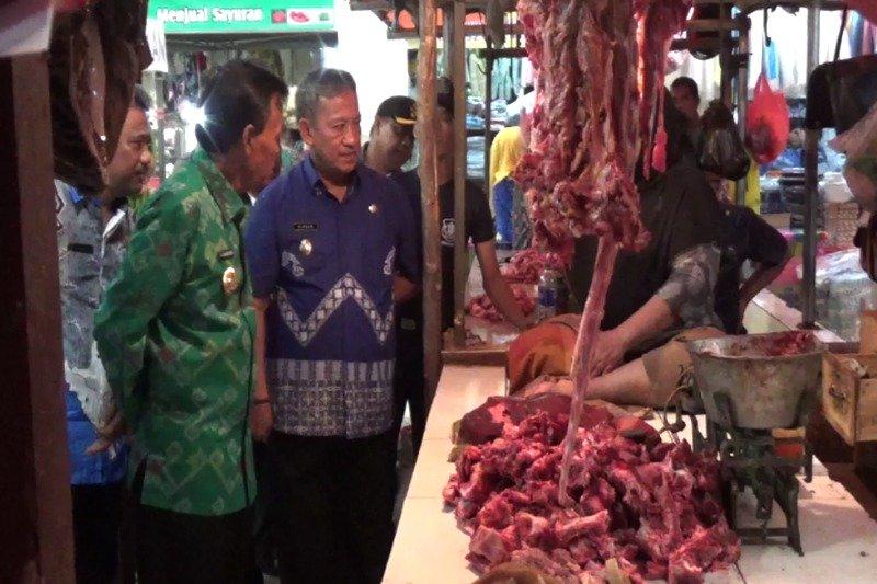 Jelang Ramadhan 1437 H Wali Kota Metro Dan Wakil-nya Lakukan Sidak Pasar