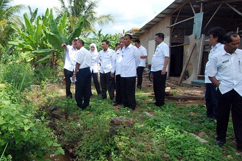 Wali Kota Metro Beserta Wakil Turun Ke Lapangan Tinjau Lokasi Rawan Banjir #1