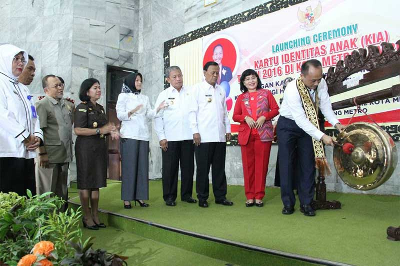 Launching Ceremony Kartu Identitas Anak (KIA) Tahun 2016 di Kota Metro