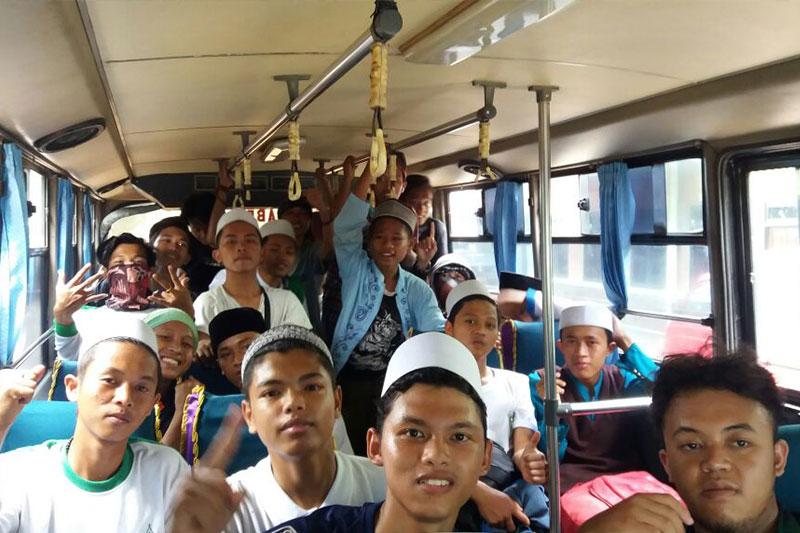 Luar Biasa! TNI Kerahkan 30 Bus Antar Pendemo Aksi Damai 3