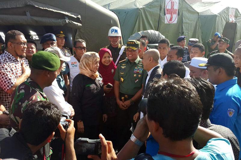 Presiden RI Perintahkan Panglima TNI Untuk Turun Ke Lokasi Gempa NAD 03