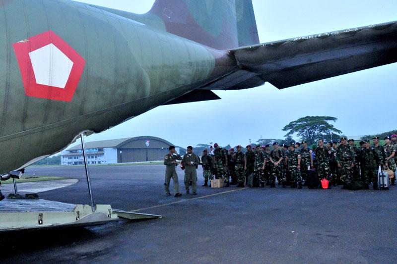 TNI Kirim Satgas Kesehatan Ke Lokasi Bencana Gempa Aceh 01
