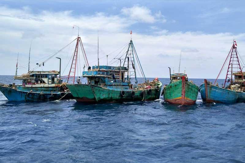 Bakamla RI Tangkap 13 Kapal Ikan Vietnam di Laut Natuna