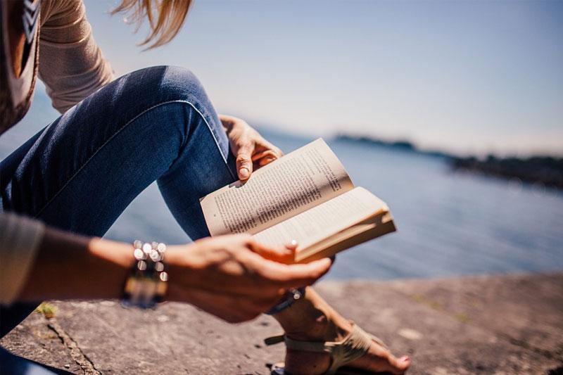 Berwisata Dengan Novel, Mungkinkah Itu?