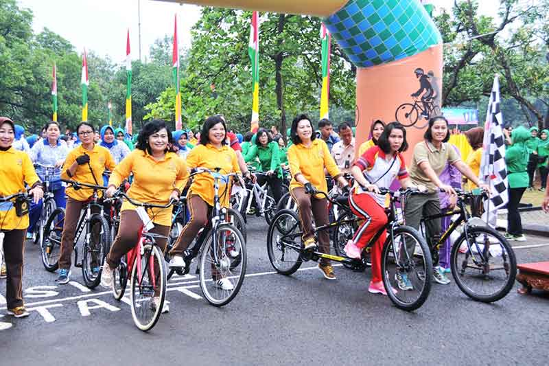 Dharma Pertiwi Laksanakan Olahraga dan Bazar