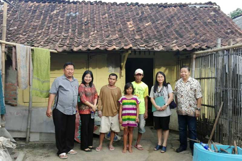 Ikut Serta Kurangi Angka Kemiskinan, PSMTI Kota Metro Gelar Program Bedah Rumah 2017 02