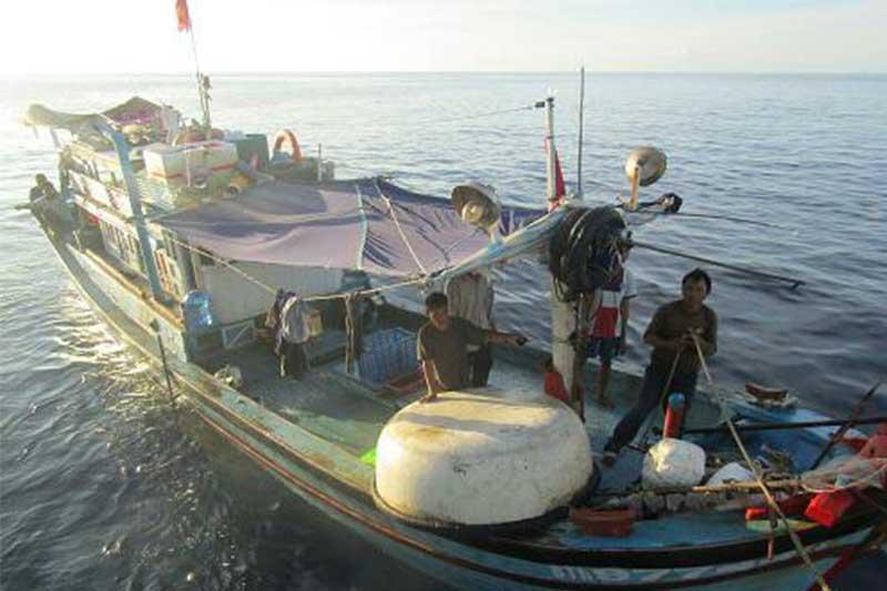 Bakamla RI Kembali Tangkap Kapal Vietnam di Perairan Natuna