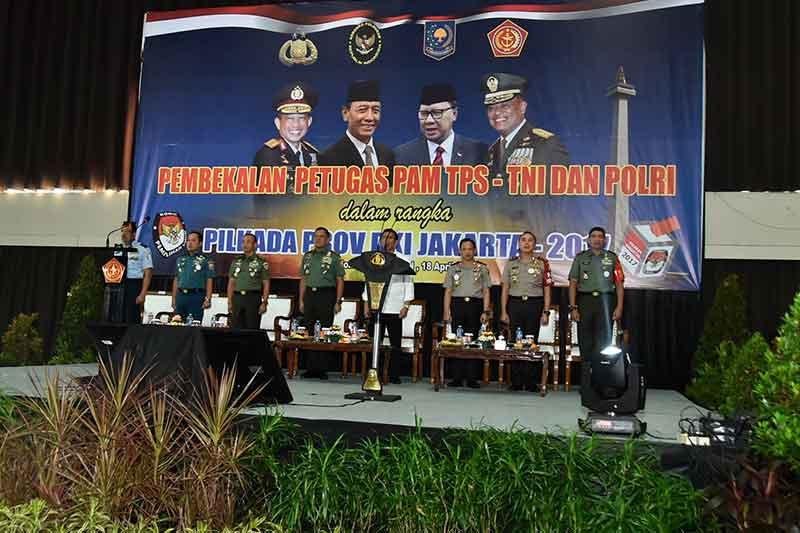 Panglima TNI: TNI dan Polri Jamin Rasa Aman Pilkada Putaran Kedua DKI Jakarta