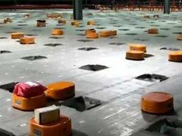 Tak Kenal Lelah, Robot-Robot Ini Sortir 200 Ribu Paket Setiap Hari