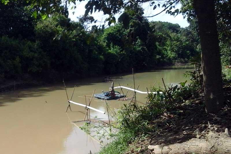 Warga Keluhkan Penambangan Pasir di Aliran Sungai Way Sekampung Metro Selatan