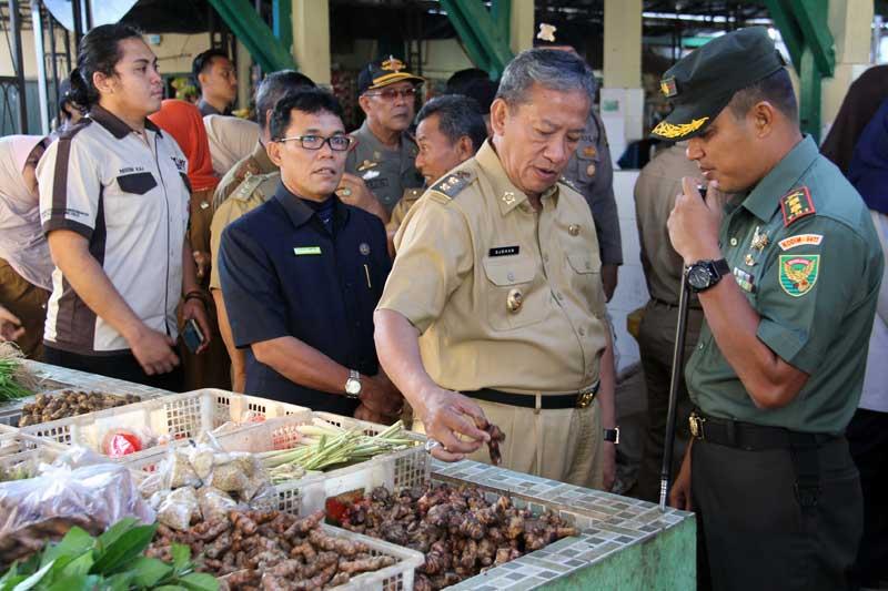 Pemkot Metro Sidak Pasar Jelang Hari Raya Idul Fitri 1438 H 02