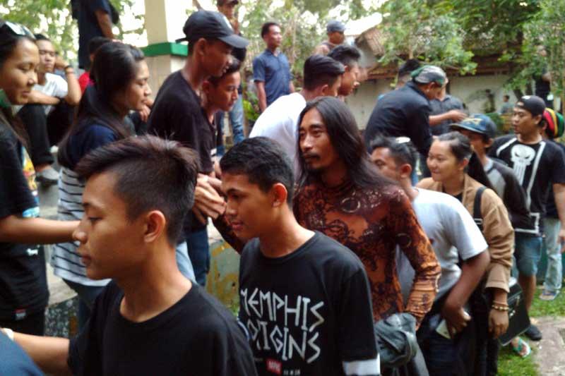 Forum Metro Bergeliat  Gelar Silaturahmi dan Bakti Sosial di Taman Tak Terawat 04