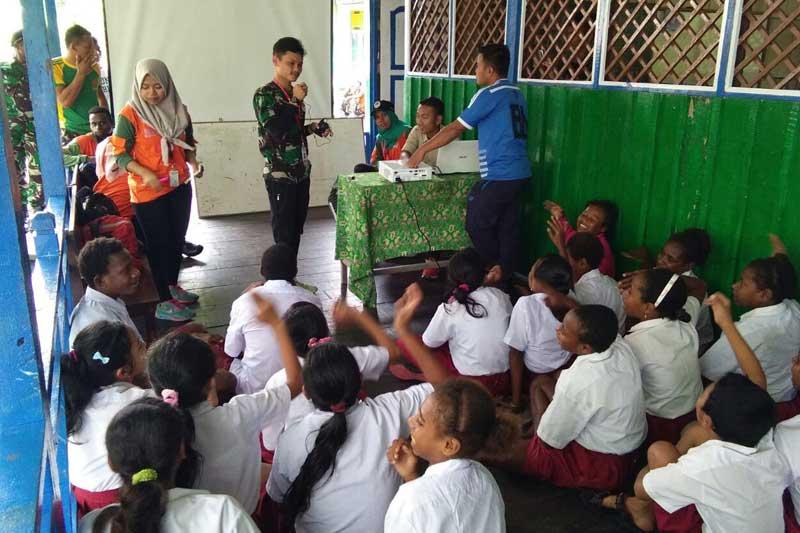 Ekspedisi NKRI Ajak Para Pelajar di Asmat Untuk Jauhi Narkoba