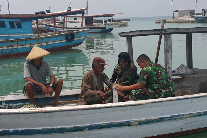 Bakti-Sosial-TNI-Di-Taman-Wisata-Pulau-Tunda-Serang01