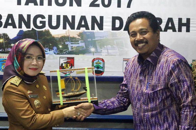 Banyaknya-Penghargaan-BUMD,-DPRD-Riau-Pilih-Lampung-Tempat-Kunjungan-Observasi-02
