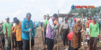 Lebih-Mensejahterakan-Petani,-Achmad-Pairin-Dukung-Program-Tanam-Bawang-Merah-dan-Kedelai-di-Kota-Metro