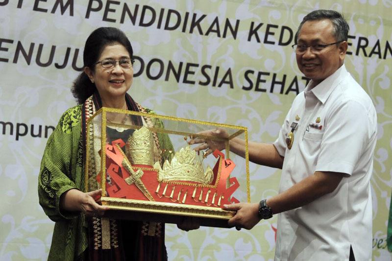 Menkes-RI-Berikan-Apresiasi-Kepada-Pemprov-Lampung-03