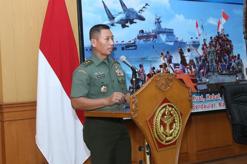 Puspen-TNI-Gelar-Pelatihan-Kamera-Video-Jurnalistik-01