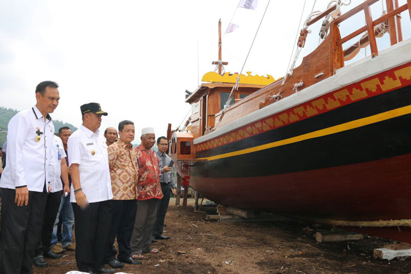 Kapal-Wisata-Samudra-Krakatau,-Resmi-Berlayar-di-Perairan-Pulau-Pahawang--01