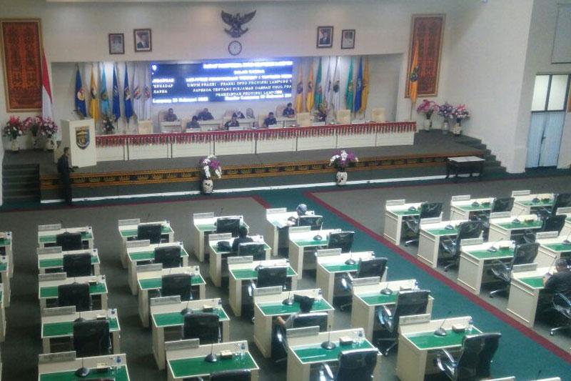 Mendagri-Beri-Provinsi-Lampung-Usulan-Pinjaman-Sarana-Multi-Infrastruktur-01