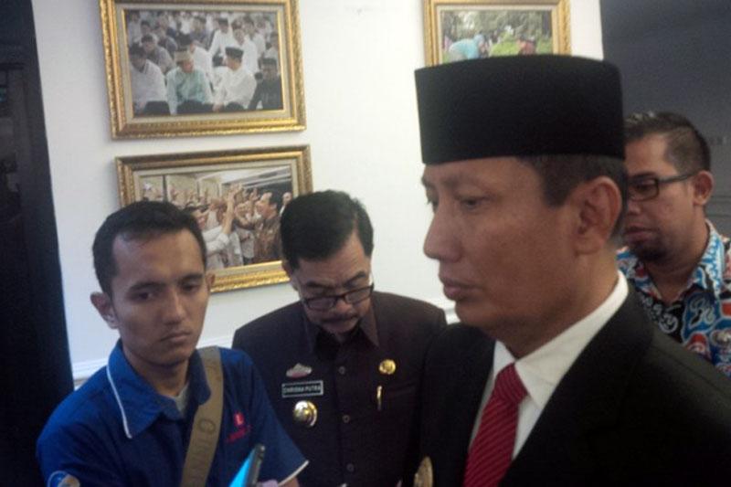 Dapat-Info-Jembatan-Kalibakau-Rusak-,-Pjs-Gubernur-Lampung-Sigap-Bentuk-Koordinasi-Perbaikan