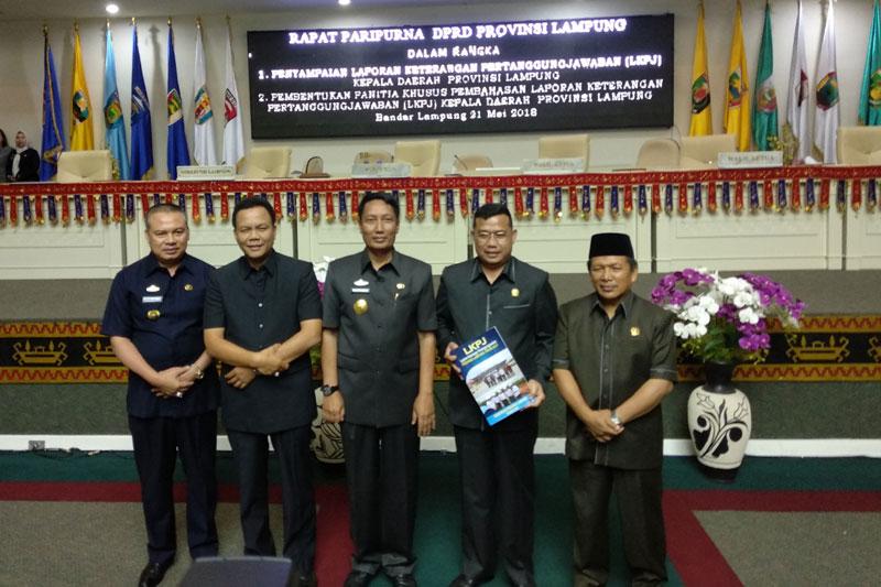 Usai-Paripurna,-DPRD-Provinsi-Lampung-Segera-Bentuk-Pansus-LKPJ-Kepala-Daerah-Tahun-2017-03