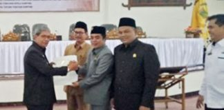 DPRD-Lampung-Tengah-Sahkan-Dua-(2)-Raperda-Tentang-Pemilihan-Kepala-Kampung-dan-Penataan-Kampung