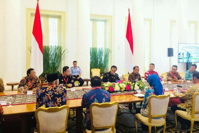 Bahas-Segala-Permasalahan-di-Daerah,-Walikota-Metro-Temui-Presiden-Jokowi-02