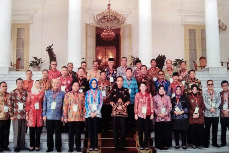 Bahas-Segala-Permasalahan-di-Daerah,-Walikota-Metro-Temui-Presiden-Jokowi-03