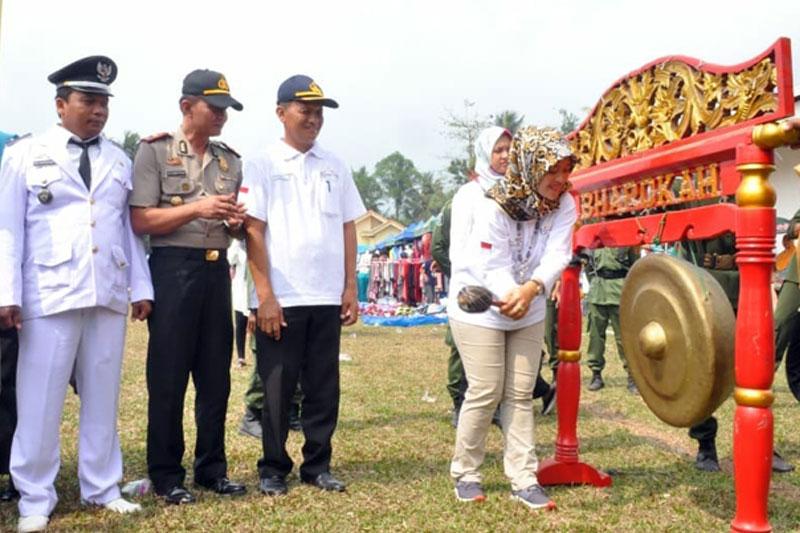 Buka-Kegiatan-Festival-Tani-Makmur,-Chusnunia-Chalim-Minta-Jangan-Ada-Perpecahan-di-Lampung-Timur