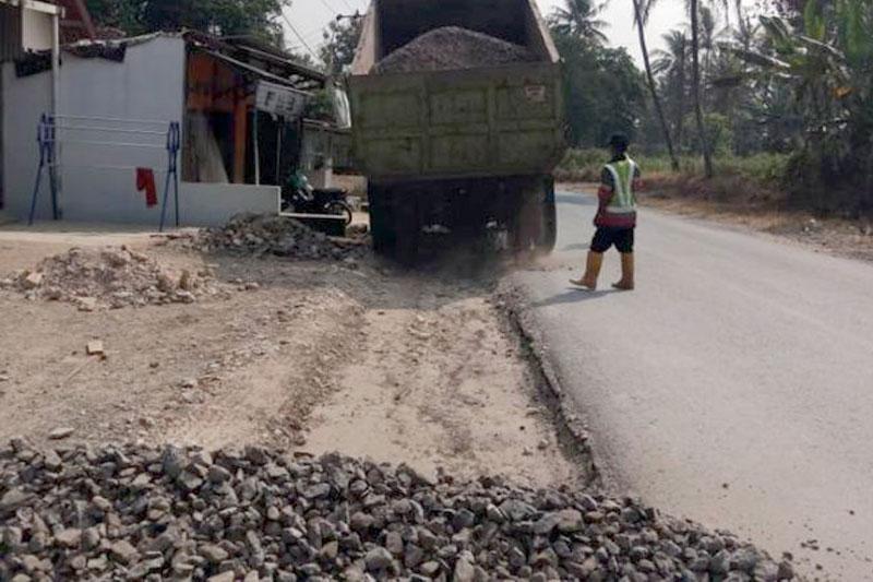 Gubernur-Lampung-Pastikan-Jalan-Simpang-Korpri-–-Sukadamai-Mulus-di-2018