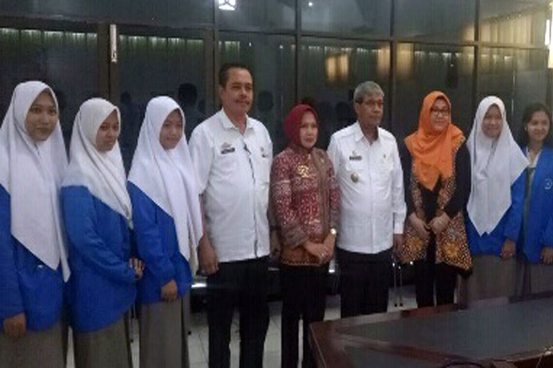 Loekman-Djoyosoemarto-Dukung-9-Pelajar-SMA-N-1-Koga-Tampilkan-Seni-dan-Budaya-Indonesia-di-Korsel