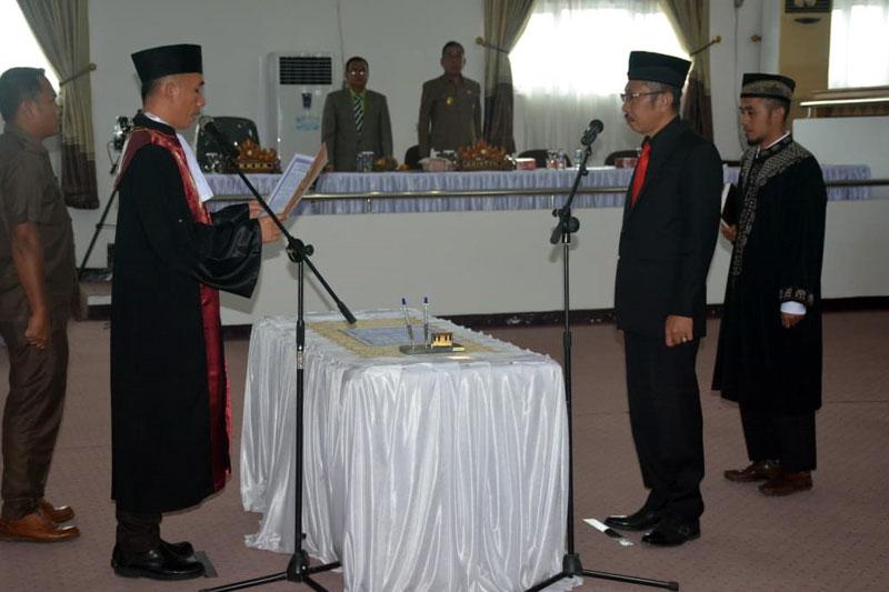 Raden-Zugiri-Resmi-Jabat-Wakil-Ketua-DPRD-Lamteng,-Gantikan-Natalis-Sinaga-02