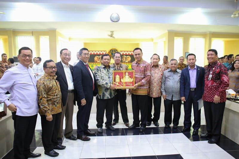 Terima-Kunjungan-Kerja-Komisi-II-DPR-RI,-Pemprov-Lampung-Berharap-Aspirasi-Masyarakat-dan-Pemerintah-Setempat-Dapat-Diperjuangkan-di-Forum-Nasional