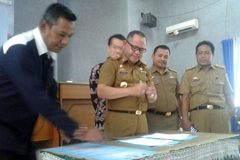 Kadisdik-Lampung-Buka-Diklat-Kehumasan-Guru-SMA---SMK-Sederajat