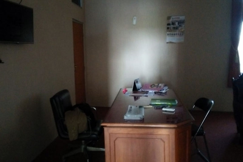 Pasca-Penetapan-Tersangka-Oleh-KPK,-Kantor-DPRD-Lampung-Tengah-Sepi-02