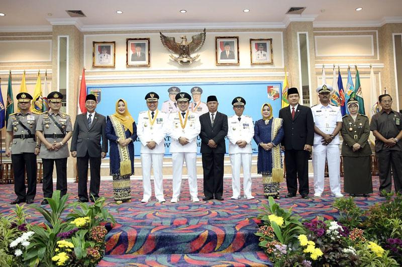 Gubernur-Ridho-Ficardo-Lantik-Agung---Budi-Utomo-Menjabat-Bupati-dan-Wakil-Bupati-Lampung-Utara-2019-2024-02