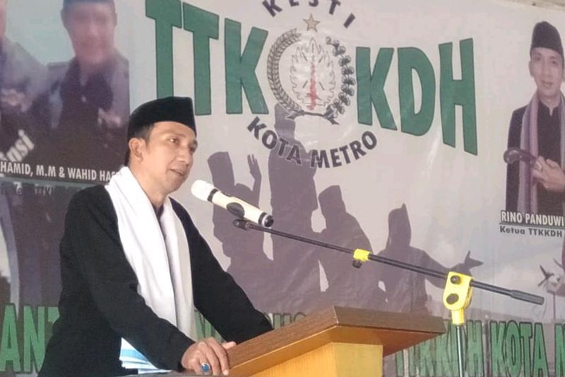 Dikukuhkan, Rino Panduwinata Resmi Jabat Ketua DPD KESTI TTKKDH Metro, 2019-2024