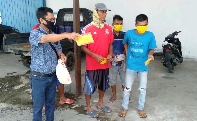 Zona Merah Untuk Bandar Lampung, ABDY Kembali Bagikan Masker Ke Warga Metro