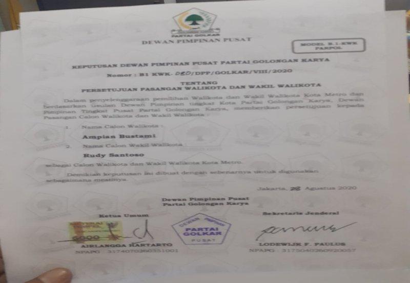 Ampian Bustami - Rudy Santoso Terima Form B 1 KWK Parpol Dari Partai Golkar 02